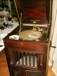 Wind up Record player 1